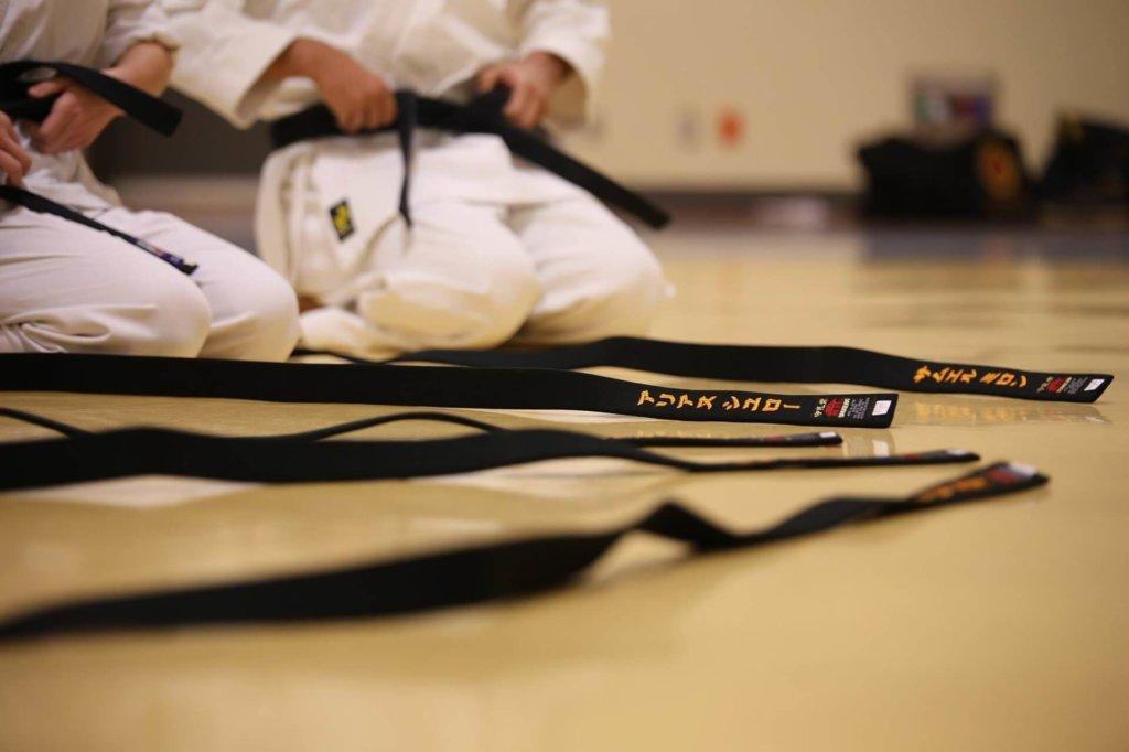 black-belt-schwarzer gürtel