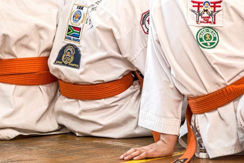 Karate orangene gürtel