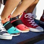 schuhe-turnschuhe-füße-jungs-sport