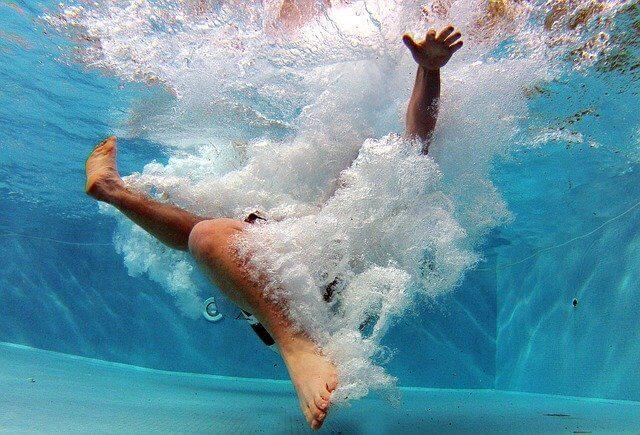 sport im eigenen pool wasser fitness